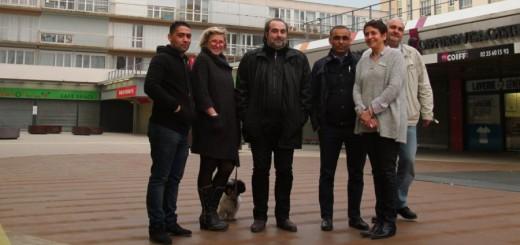 Jean-Michel Bérégovoy avec les commerçants de la dalle de la Grand'Mare @Paris_Normandie.fr